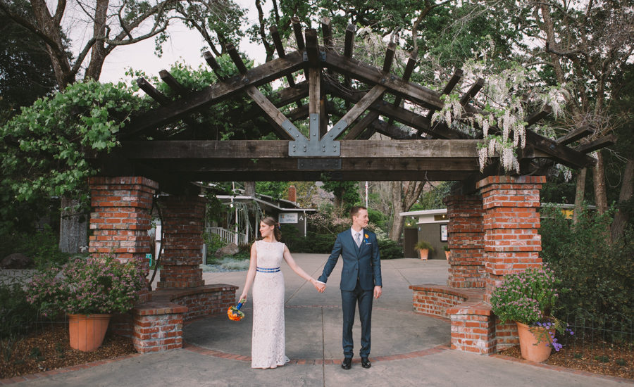 Jess And Graham Were Married At The Marin Art Garden Center Just North Of San Francisco E Is Quite Lovely With It S Many Varieties Plants